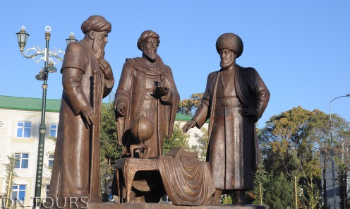 Statue, Ashgabat Turkmenistan