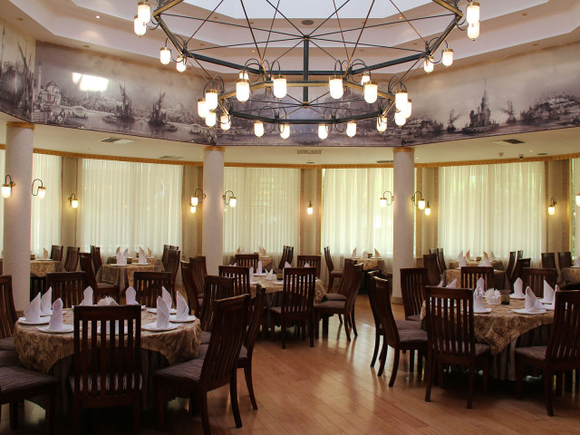 Restaurant, Grand Turkmen Hotel, Ashgabat Turkmenistan