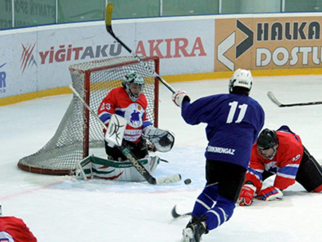 Turkmen hockey players participate in training camp as a part of preparation to Asian Winter Olympics in Sapporo