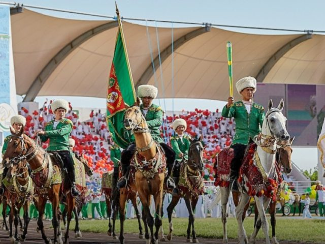 Proud ceremony marks 100-Day countdown to Ashgabat 2017